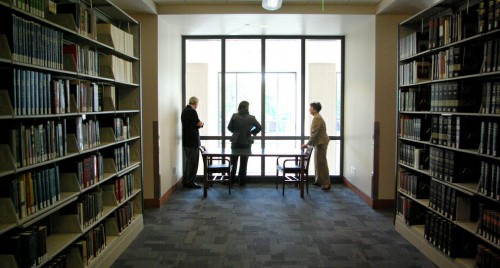 Image of library patrons