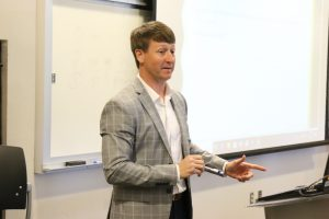 UM Law alumnus and wealth advisor David McPhail speaks to law students about managing a budget during a financial literacy program.